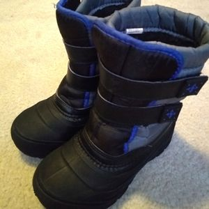 Boys Snow Boots Cold Weather Boots Size 13 Blue